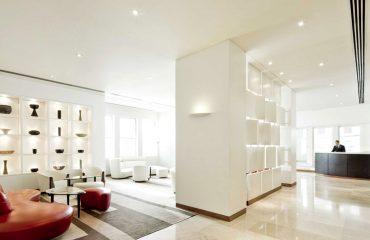 Elegant White Hotel Lobby